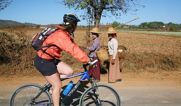 bagan bike tour to pakkoku 2