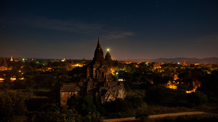 bagan night tour 3