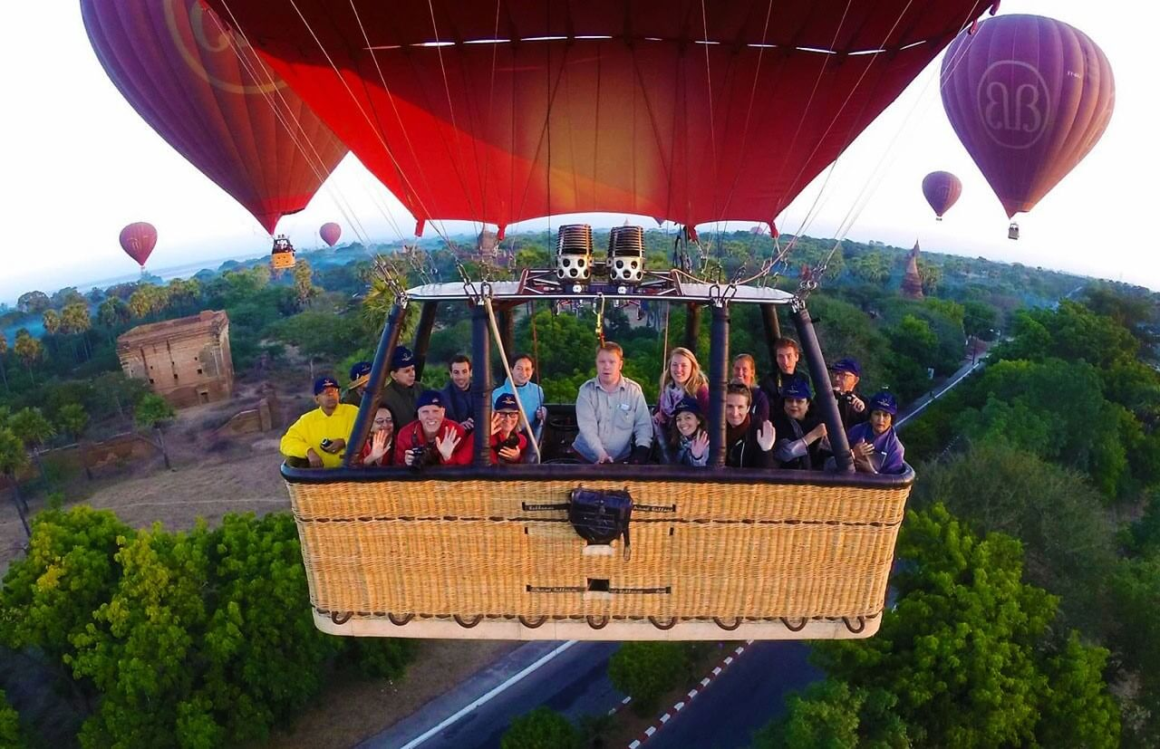 balloon over bagan 5