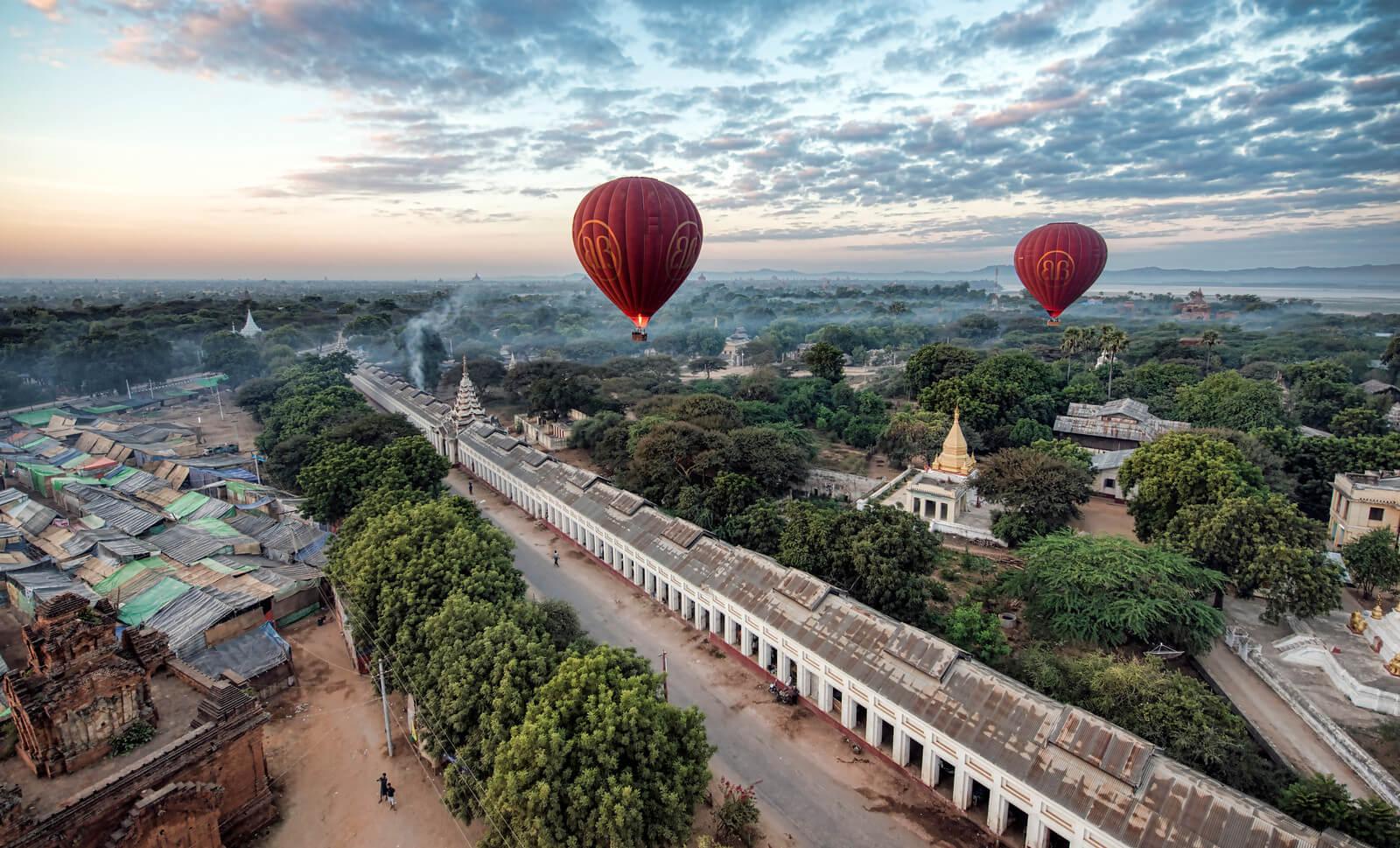 balloon over bagan 4