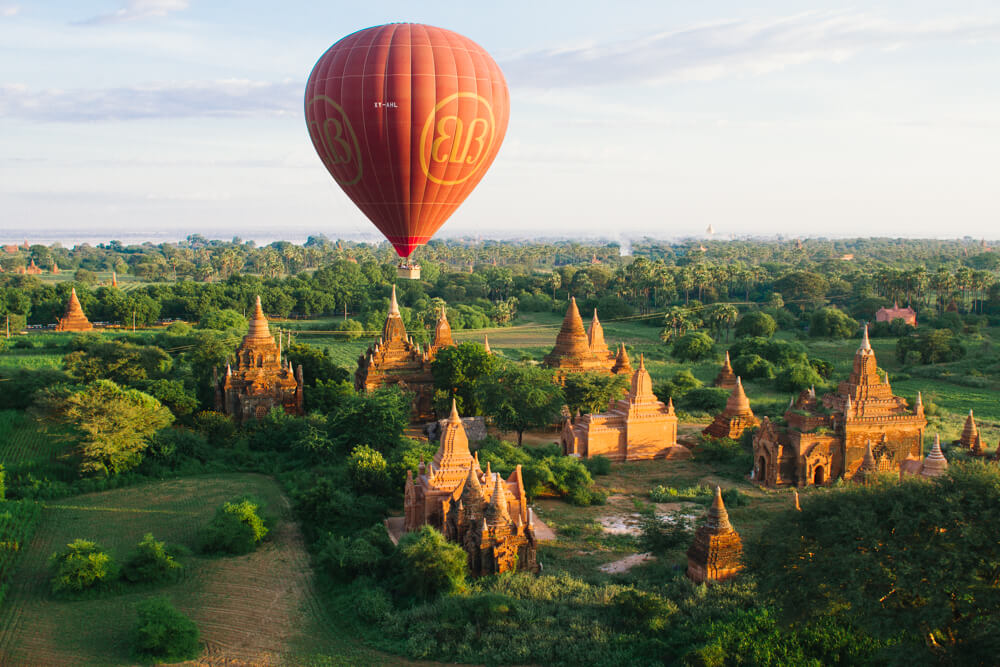 balloon over bagan 7