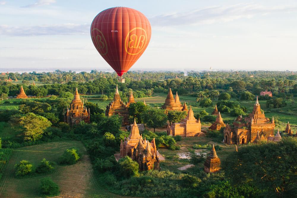 balloon over bagan 7