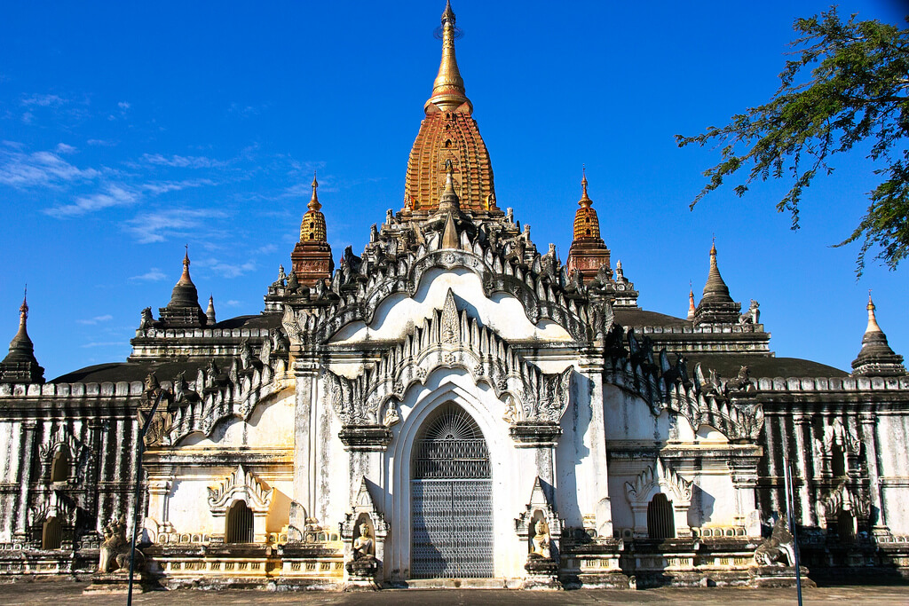 bagan temple biking tour