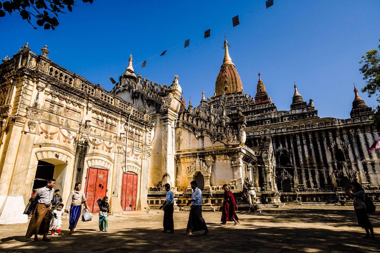 bagan temple biking tour 2