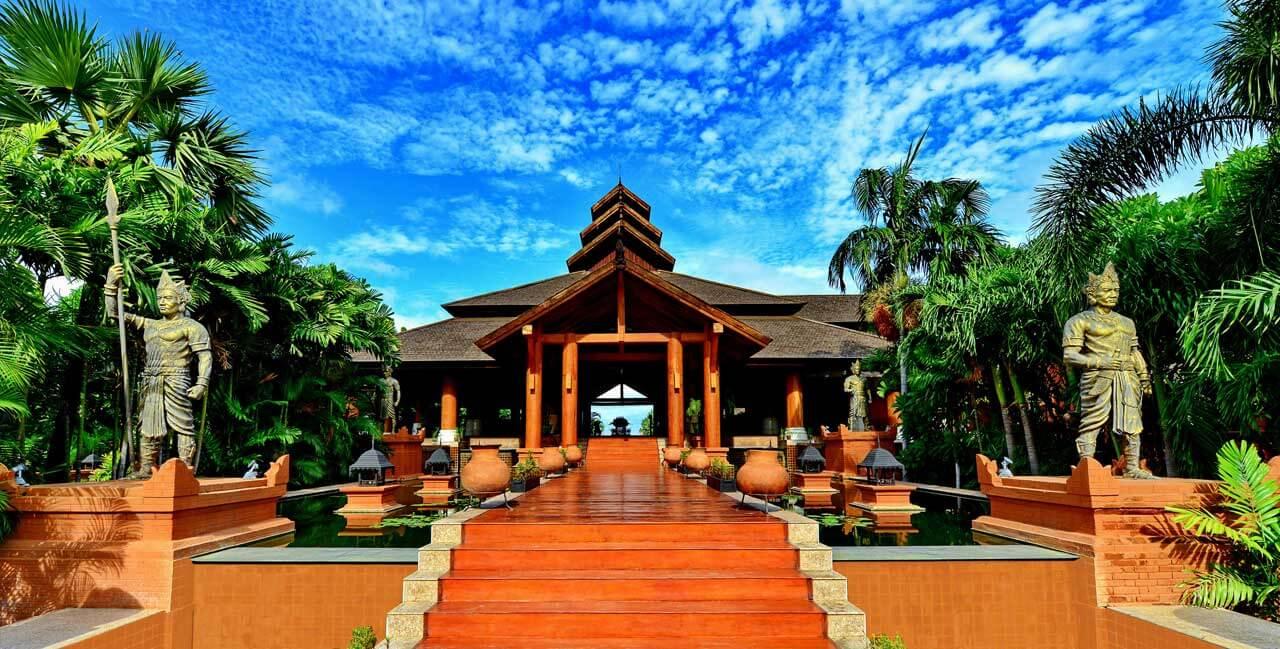 Aureum Palace Hotel Resort