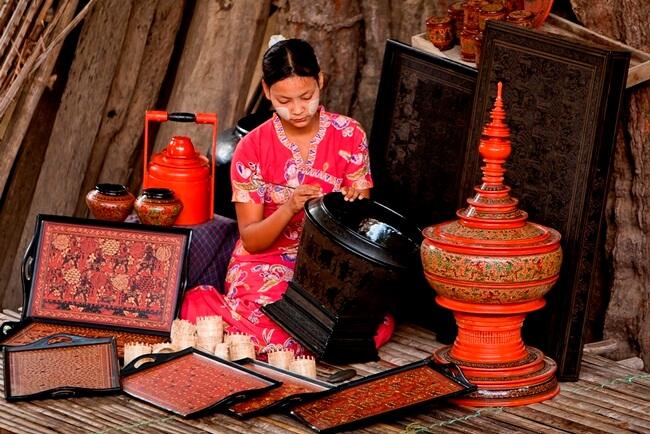 bagan lacquerware shops 1