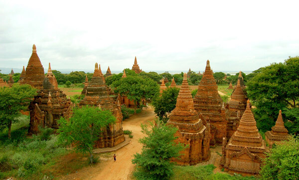 bagan sightseeing biking tour 4