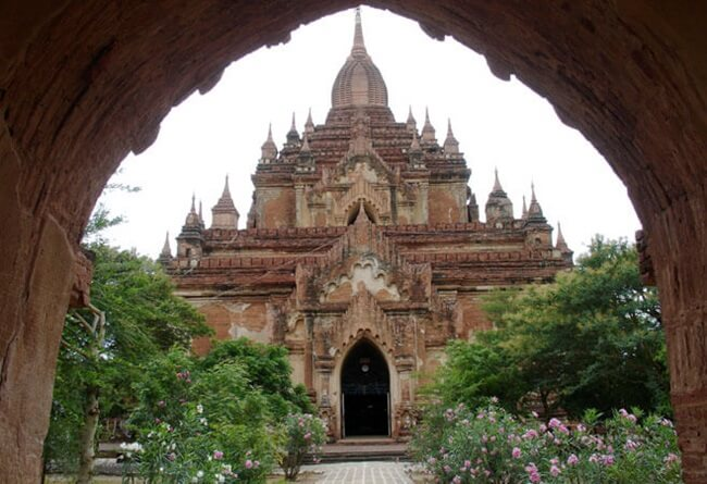 Htilominlo Temple 2