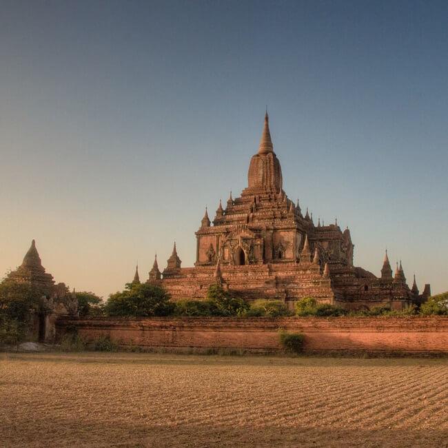 Htilominlo Temple 3