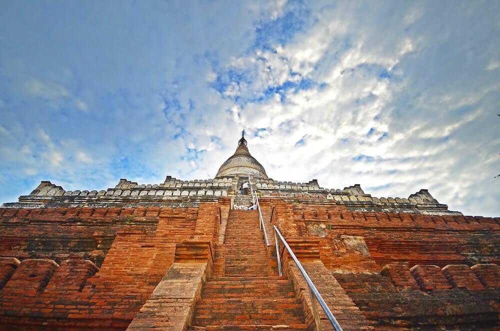 bagan temple biking tour 3