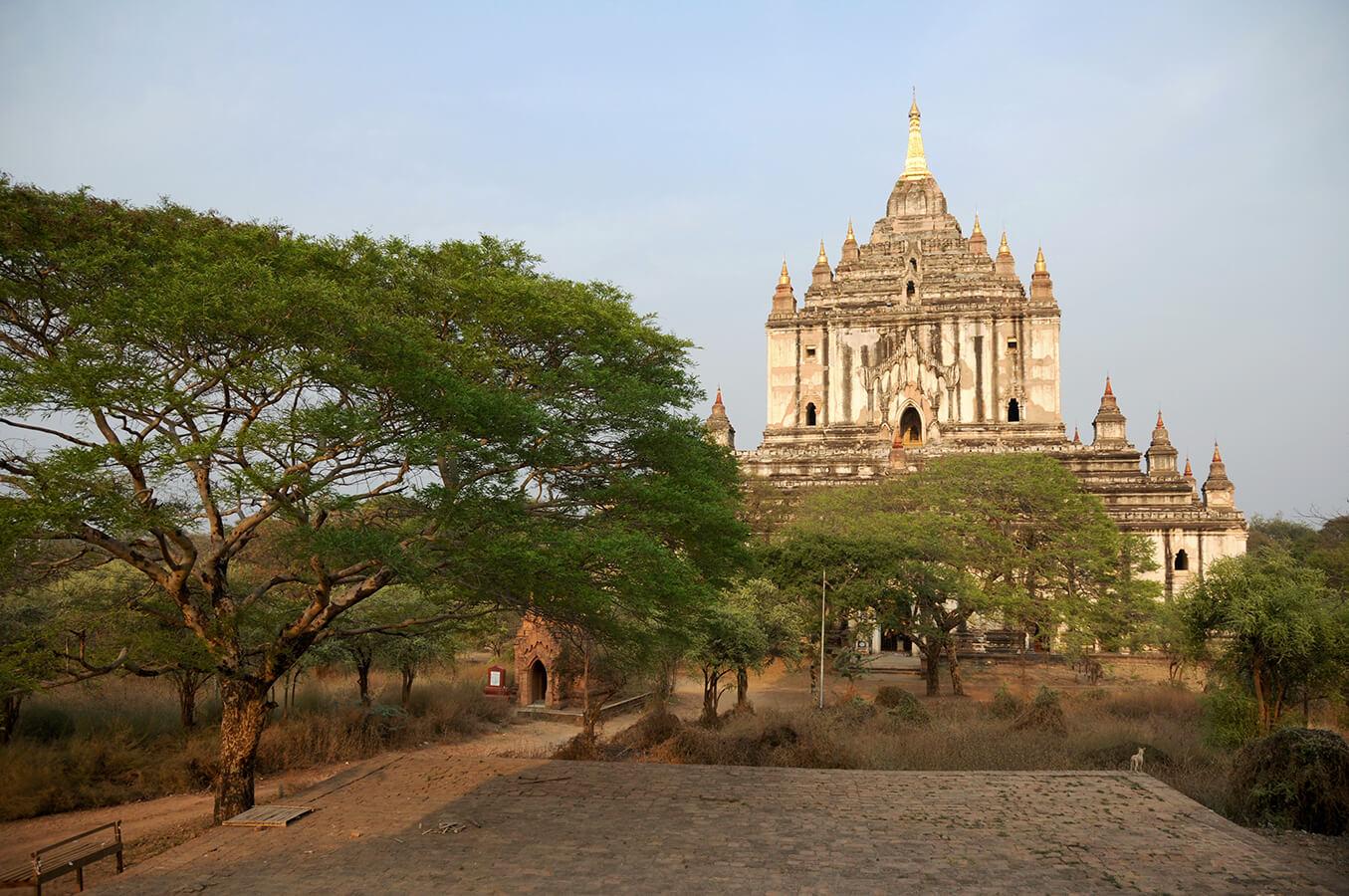 thatbyinnyu temple 2