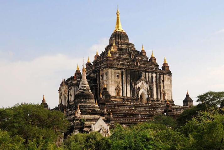 thatbyinnyu temple 3