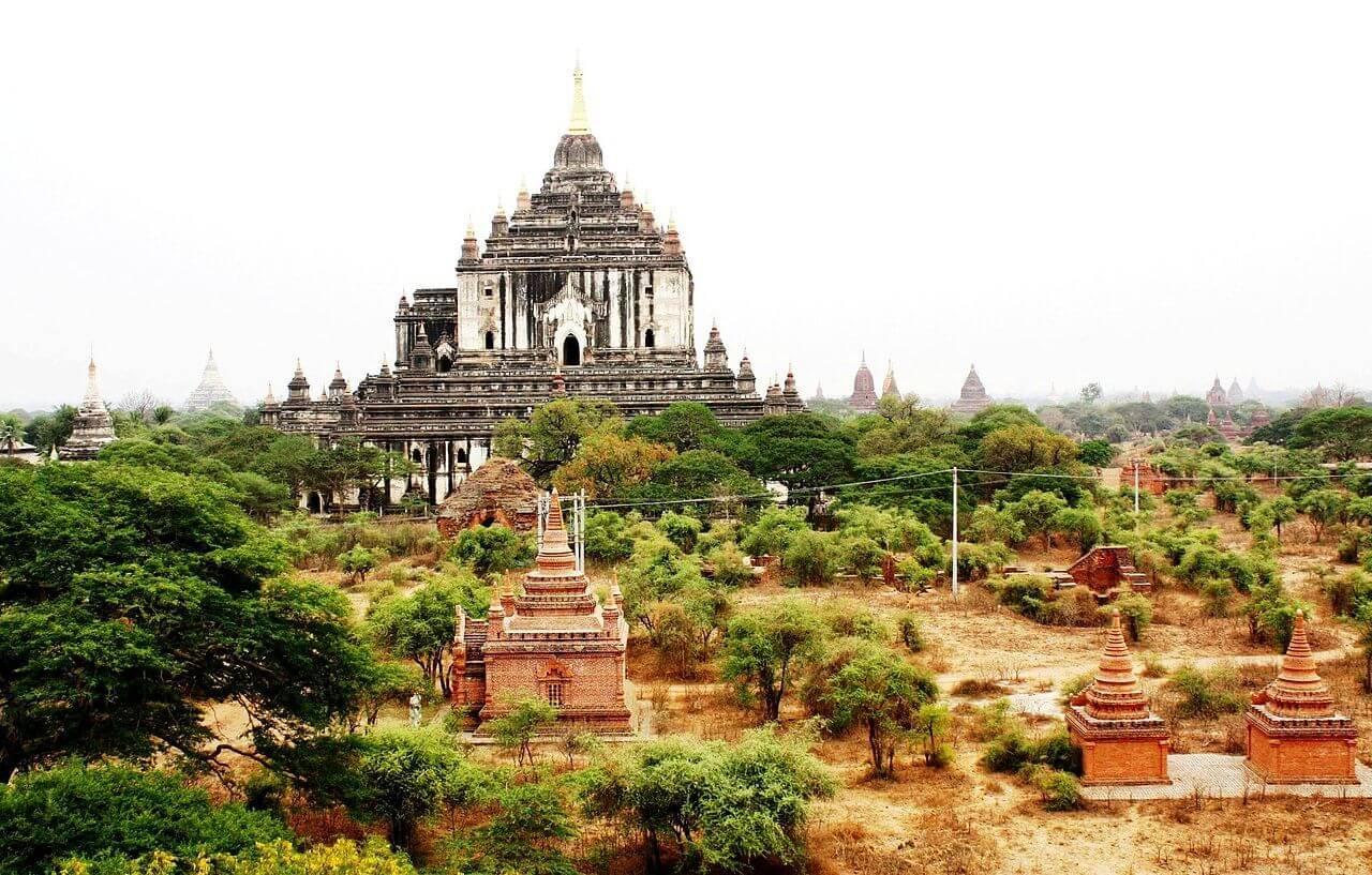 thatbyinnyu temple 4