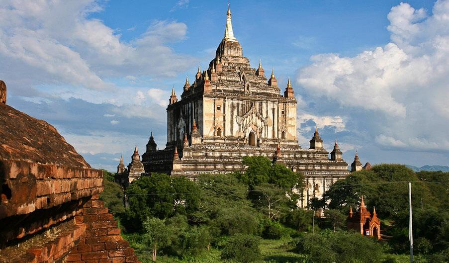 thatbyinnyu temple 5