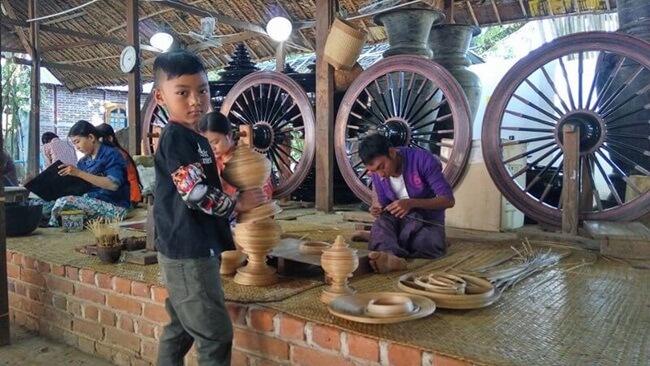 bagan lacquerware shops 2