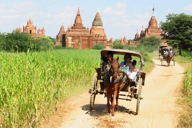 Bagan horse carriage