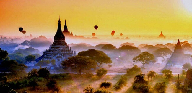 Breath taking sunrise moment in Bagan