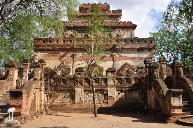 monasteries in bagan 4