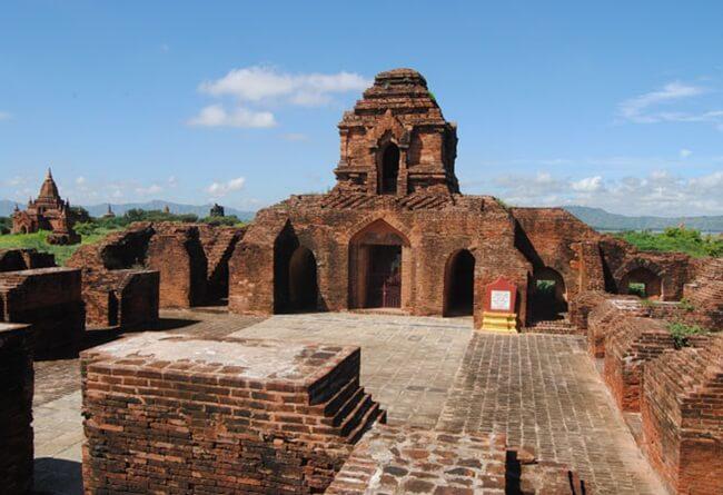 monasteries in bagan 3