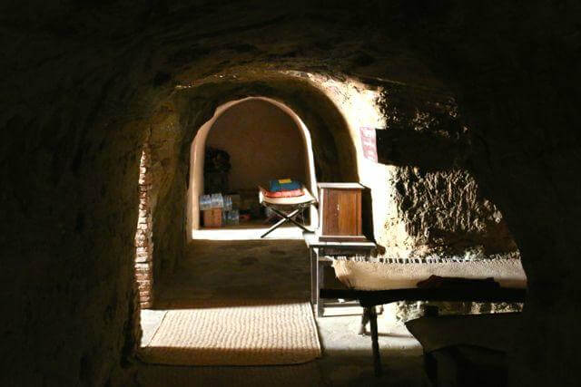 monasteries in bagan 5